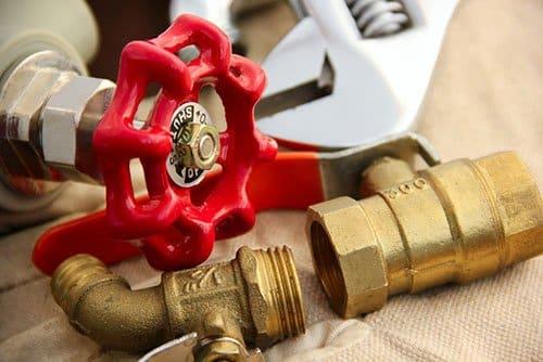 Postavljanje priključnih ventila dovoda za sudo i veš mašinu