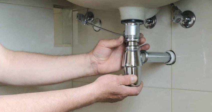 Montaža odvodne cevi i sifona